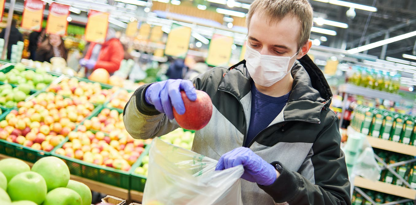 کار در فروشگاههای مواد غذایی در دوران کرونا   پرگاس